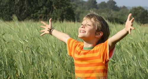 ребенок икает в животе: причины и способы облегчения